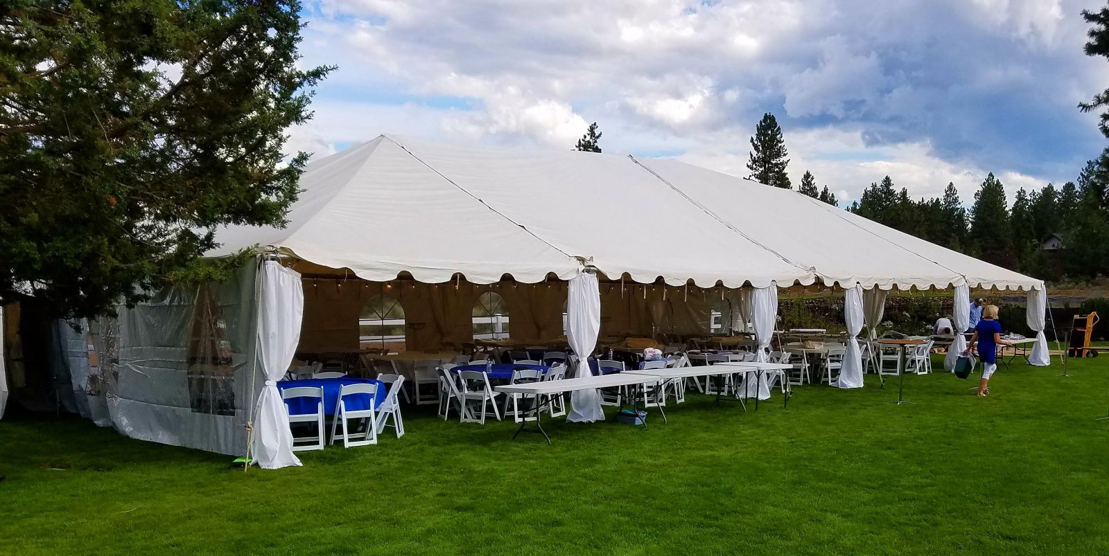 American Marquee Hire – The family-run business offers a wide range of marquee tents for weddings, birthdays, shows, exhibitions, festivals, and other celebrations.
