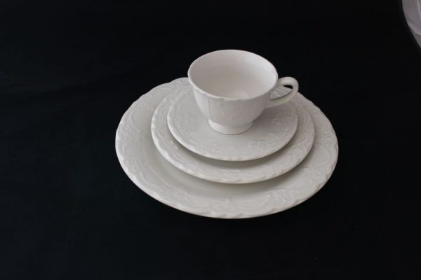 French-Ivory-Plates
